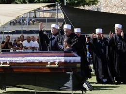 民众为哈马斯高官办盛大葬礼
