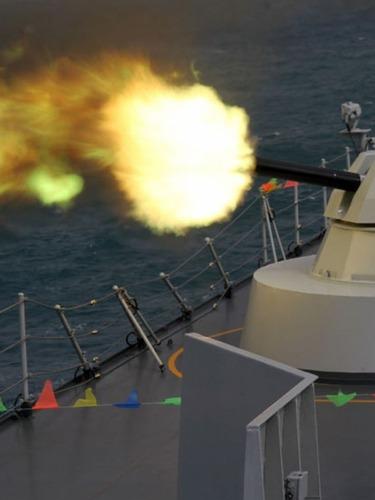 解放军南海演习属战役级<br>二炮可反击他国基地